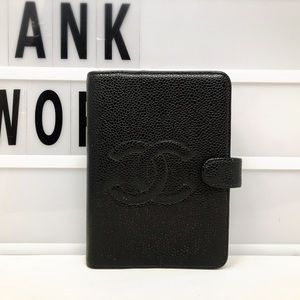 Chanel CC caviar leather small agenda cover